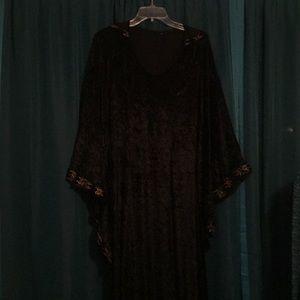 Jackets & Blazers - Embroidered black crush velvet hooded robe